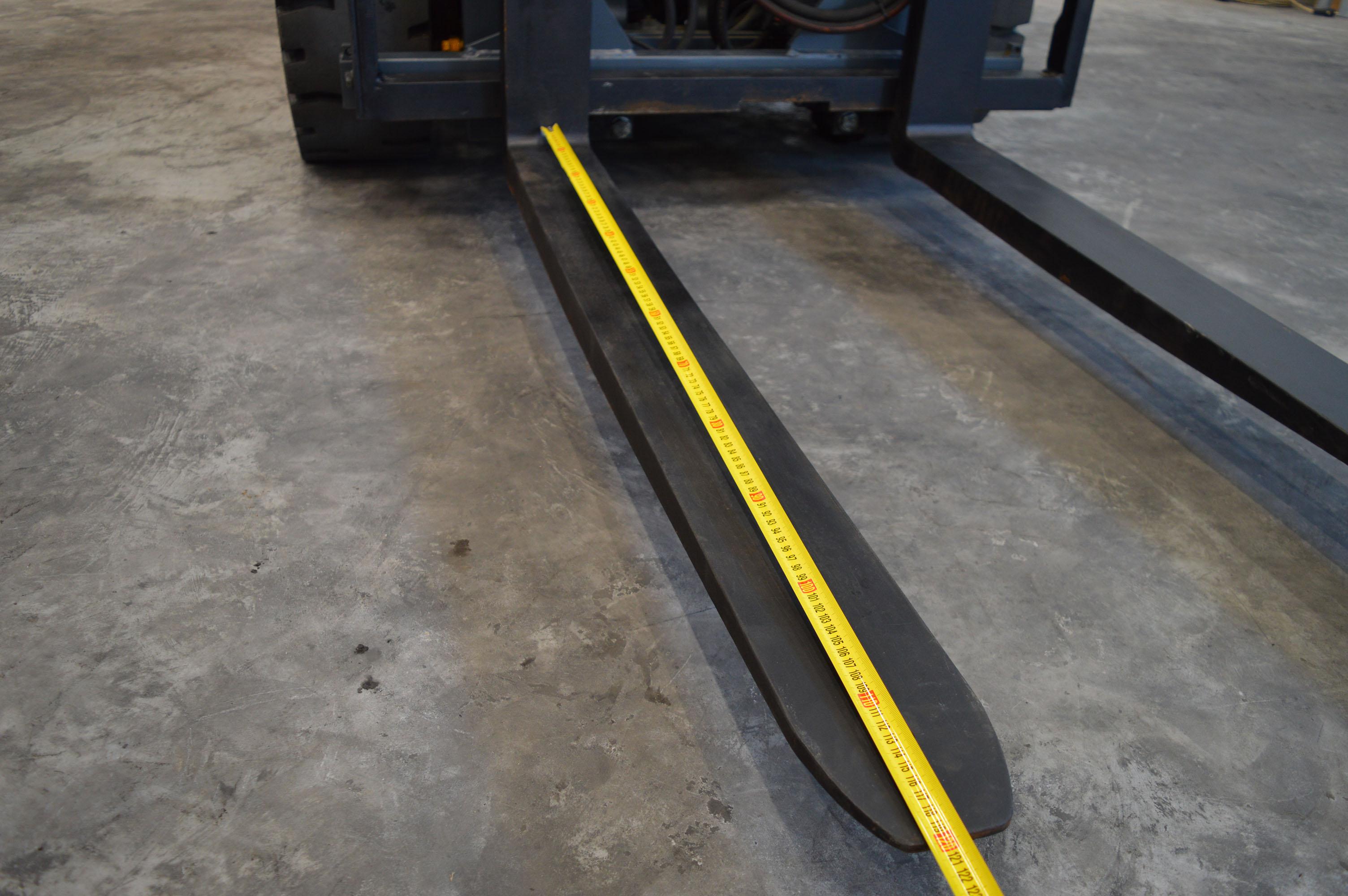 A targoncavilláknak a hossza a hasznos hosszt jelenti, azaz a villa függőleges ágának az első lapjától mérjük a hosszt